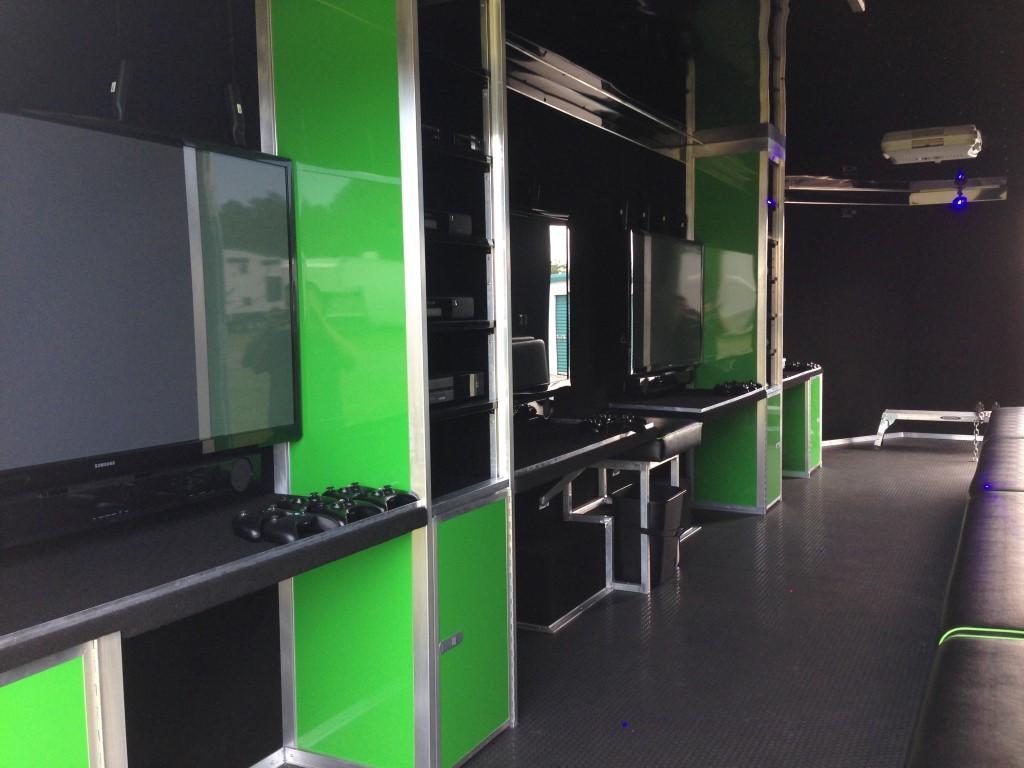 Arctic Green Prestige 4 TVs from back